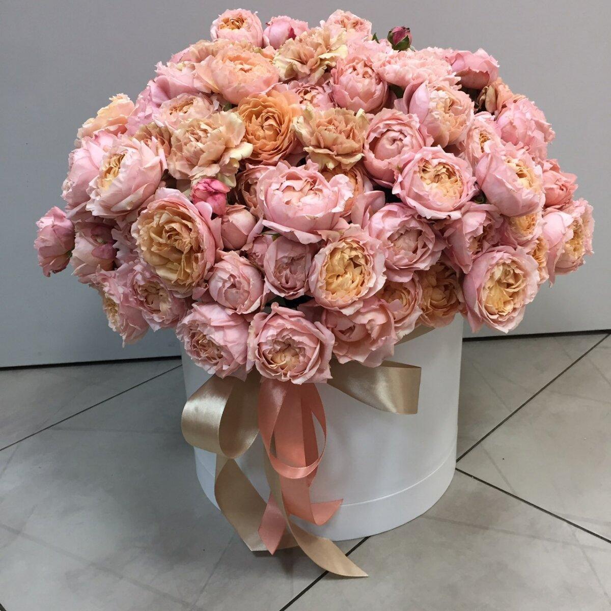 Коробка из пионовидной кустовай розы Белладжио
