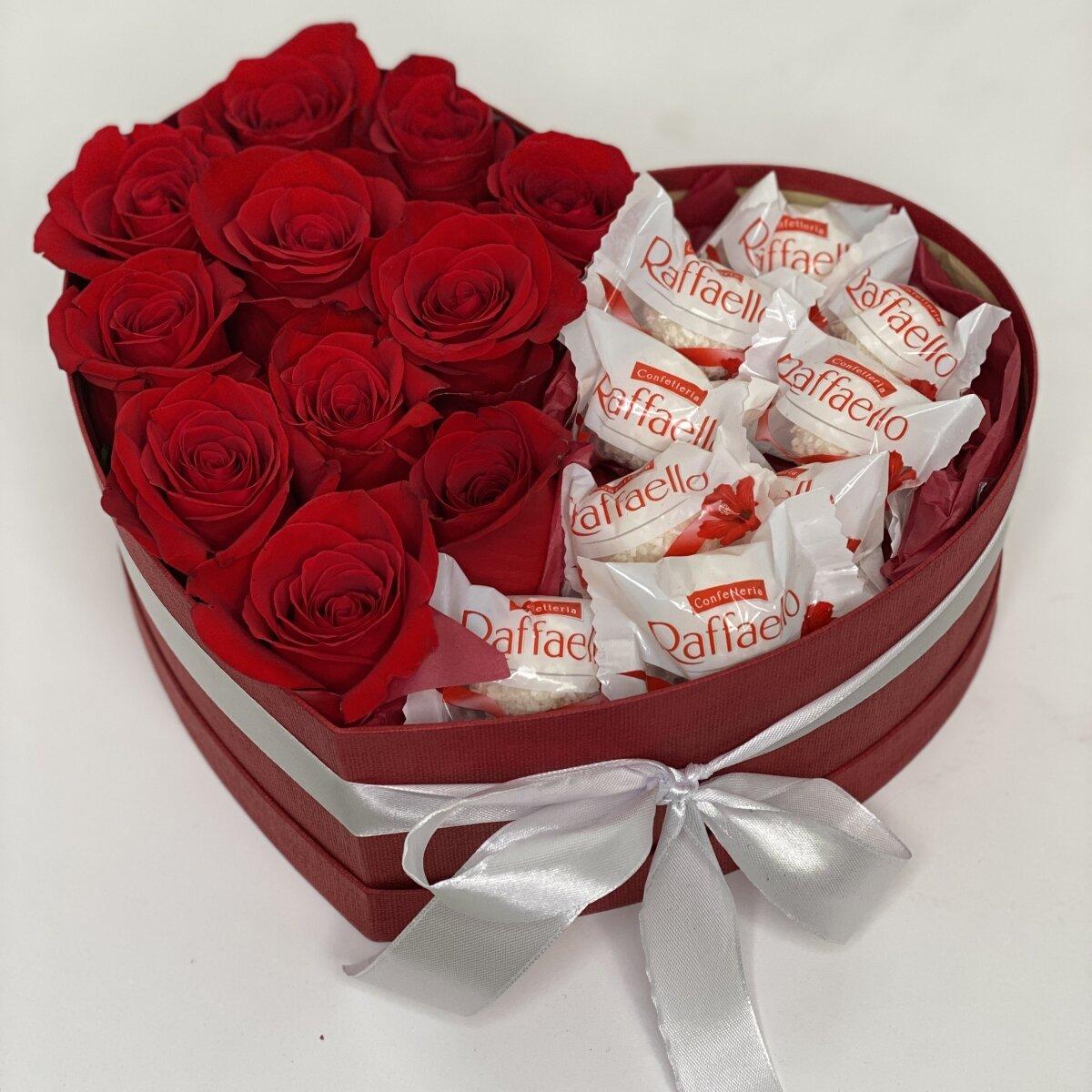 Сердце из красных роз и Рафаэлло № 6