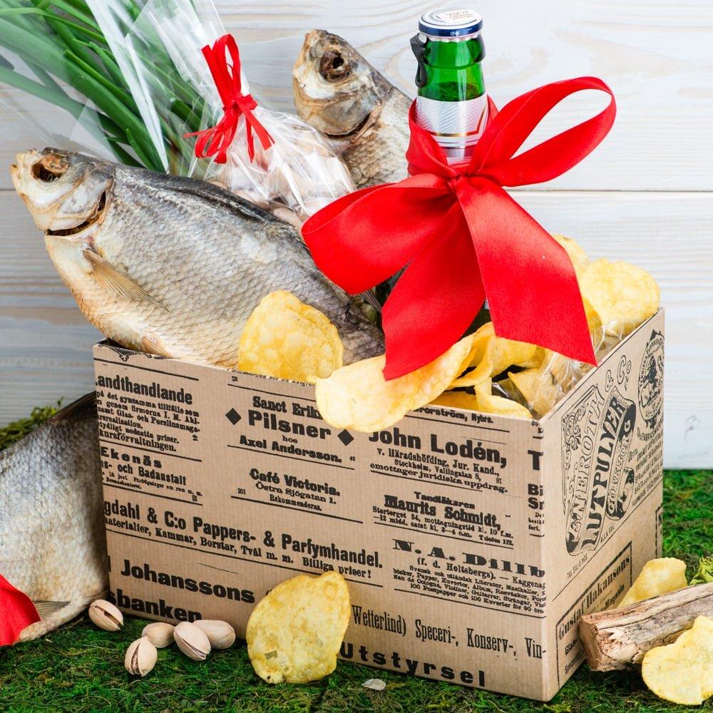 Коробка с рыбой Охота и рыбалка