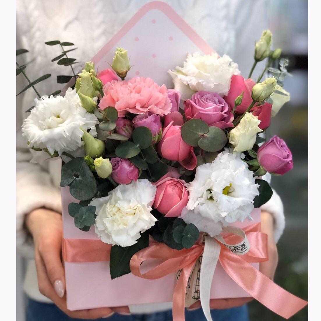 Конверт из кустовой розой Ариана