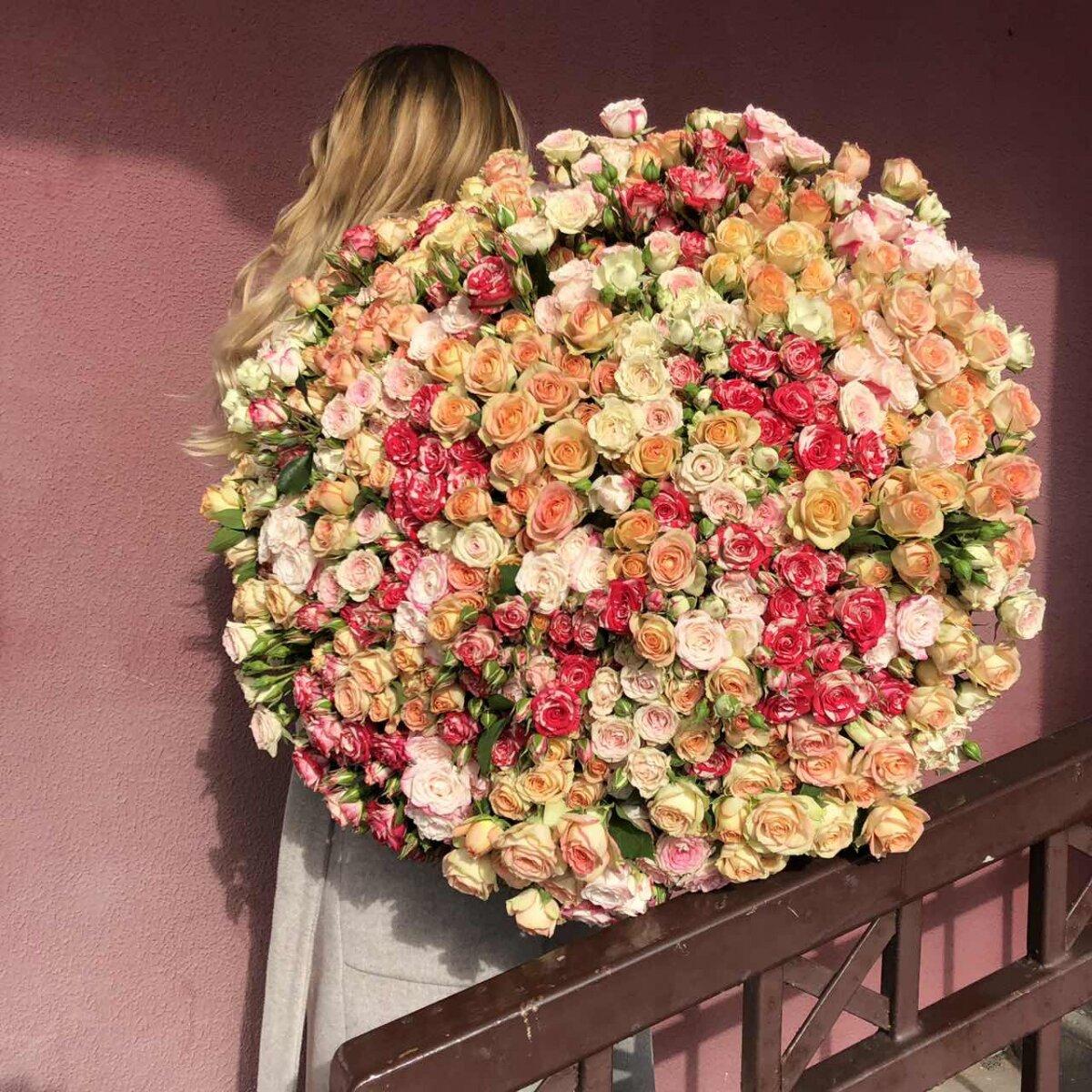 Букет Кэндис из 101 кустовой розы