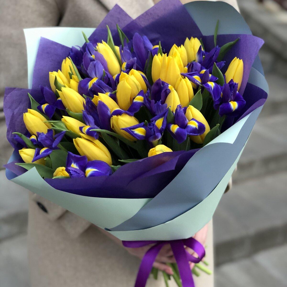 Букет Фианит из тюльпан и ирисов