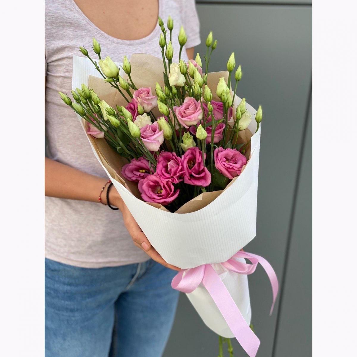 Букет Мальта из розовых эустом