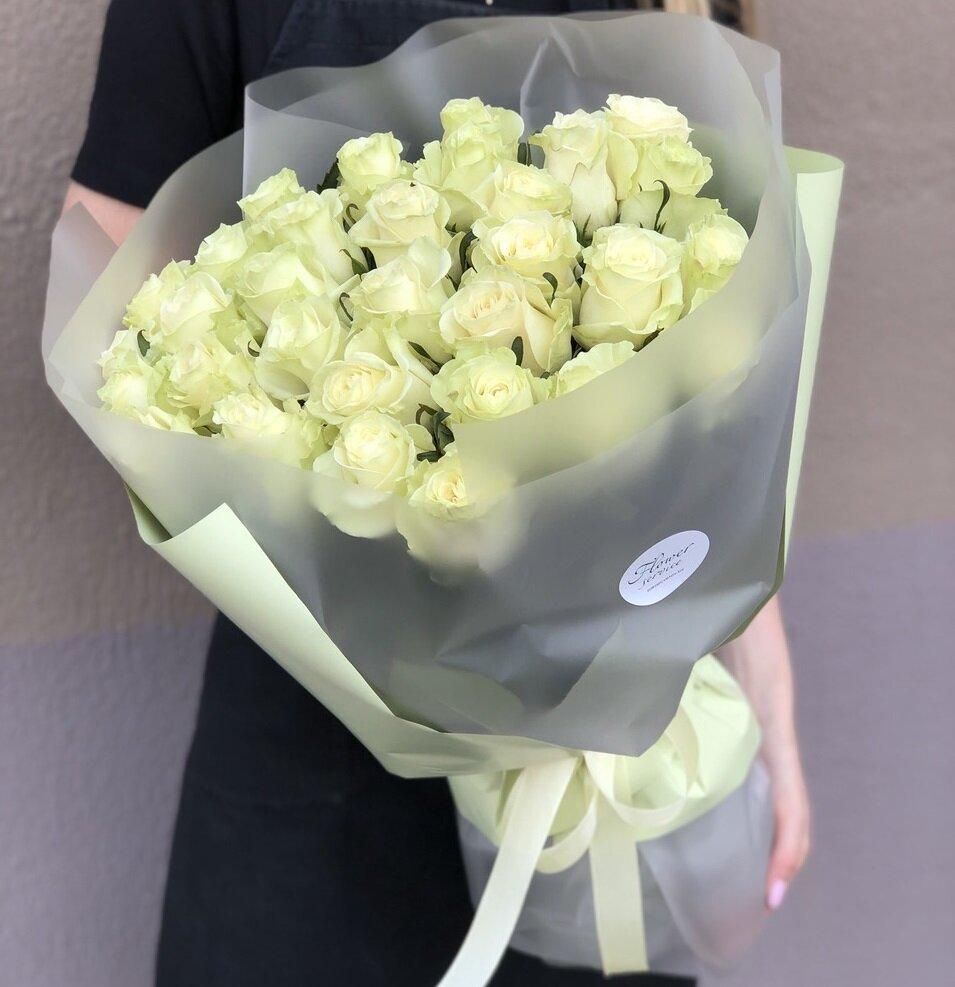 Букет из белых роз Лайм
