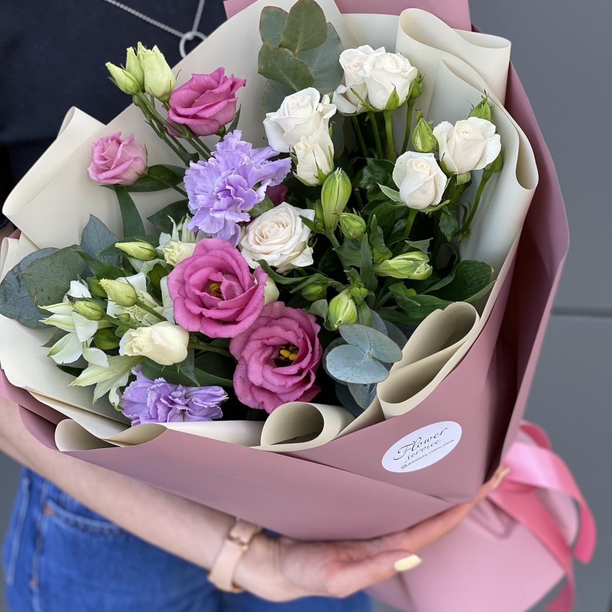 Букет из кустовой розы и альстромерии Узор