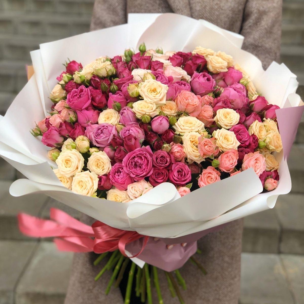 Букет из кустовых роз Признание