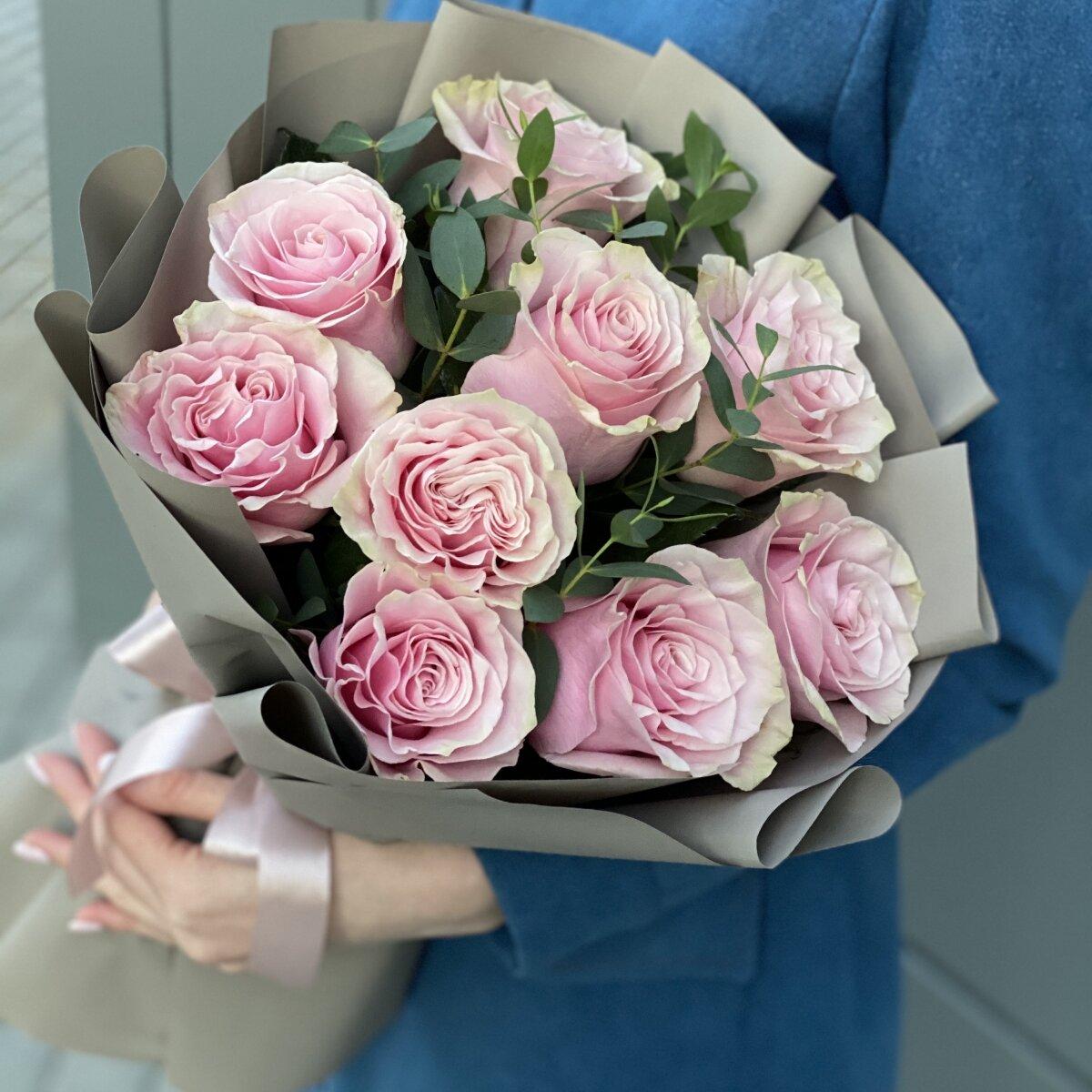 Букет из роз и эвкалипта Женственный