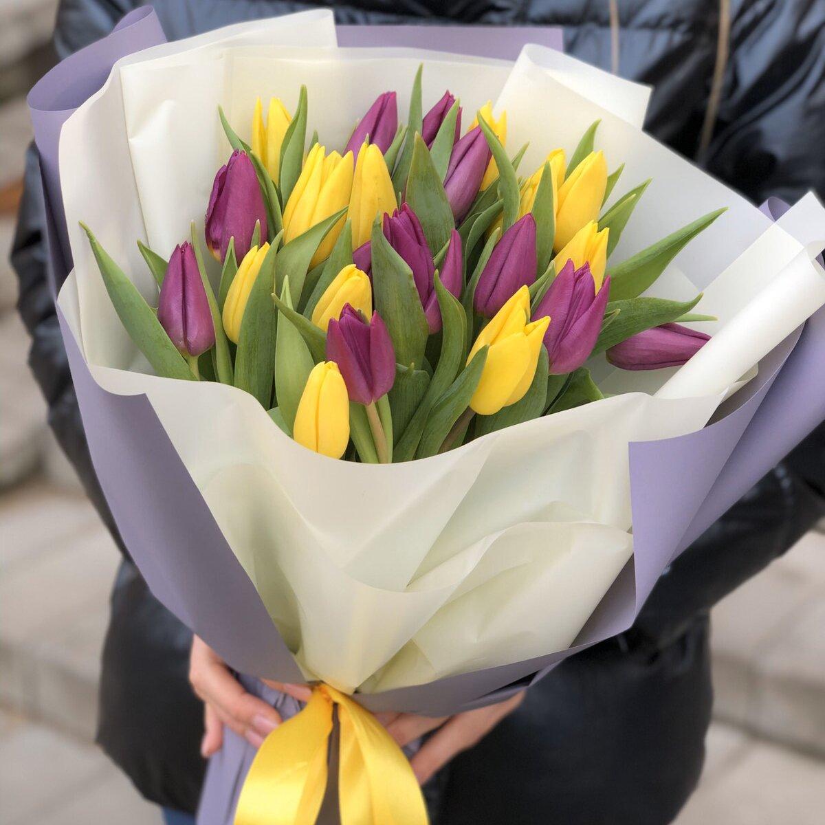 Букет из желто-фиолетовый тюльпанов 101 шт