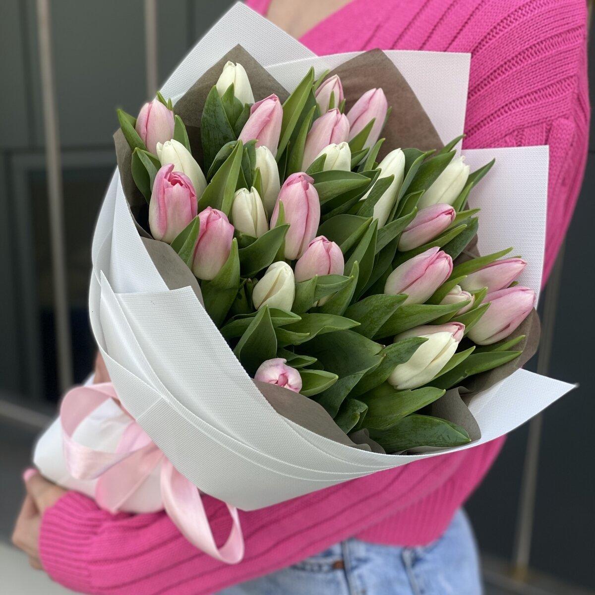 Букет Сладость из белых и розовых тюльпанов
