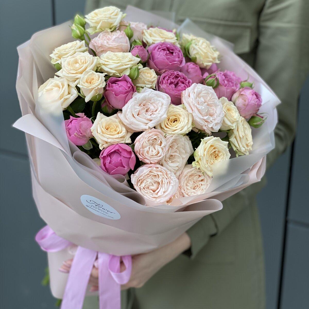 Букет из  кустовых роз Садовый Микс