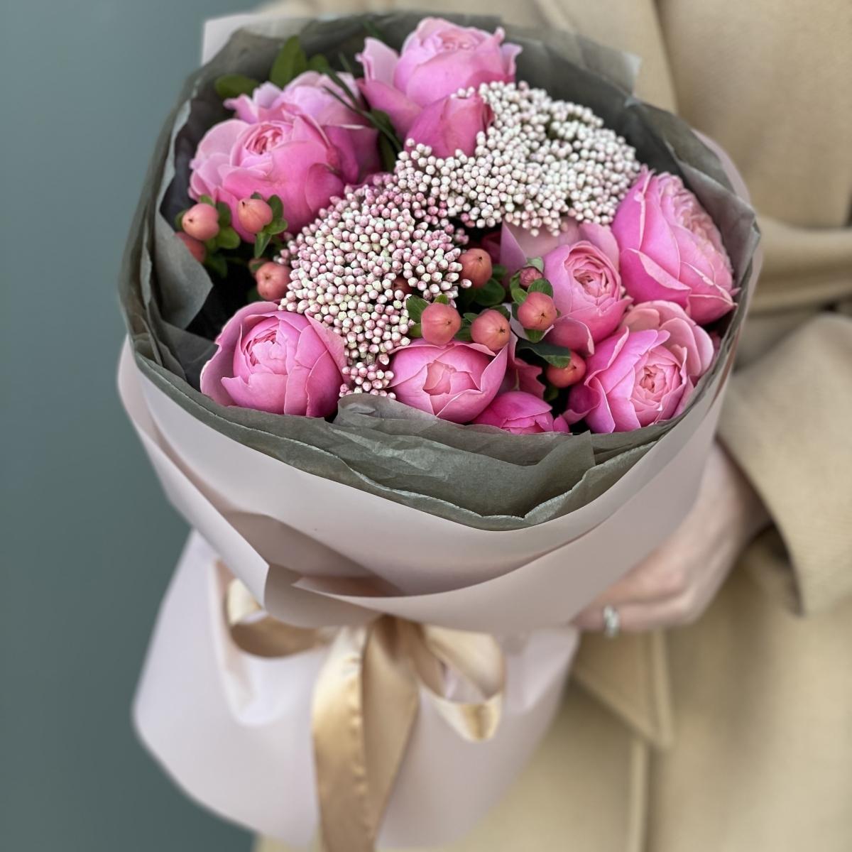 Букет Грациозный из пионовидной розы