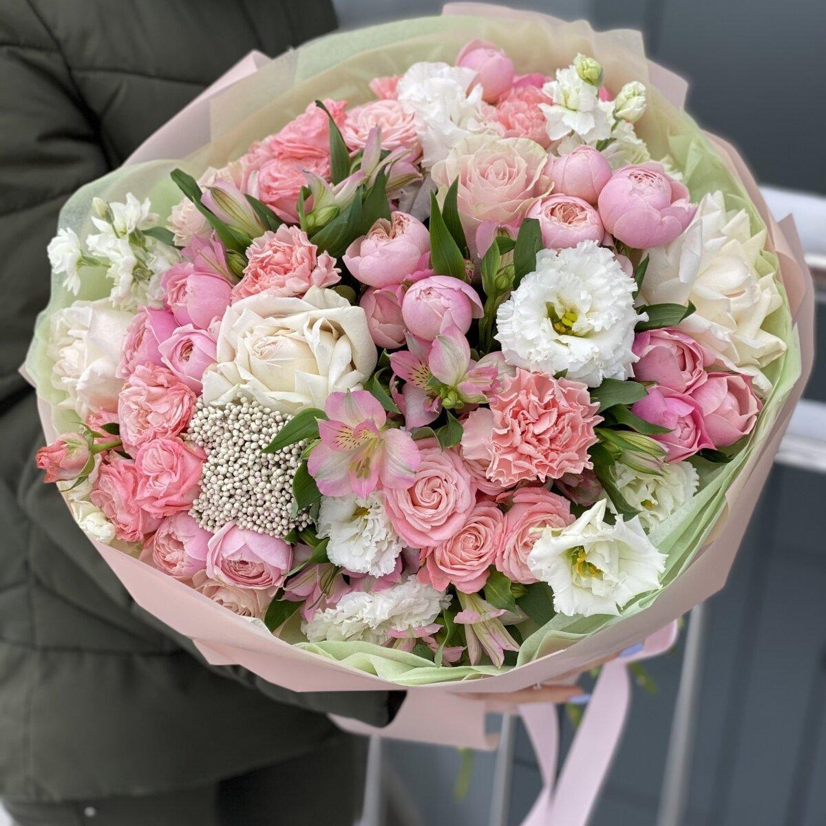 Букет Романс из роз, альстромерии, маттиолы и диантуса