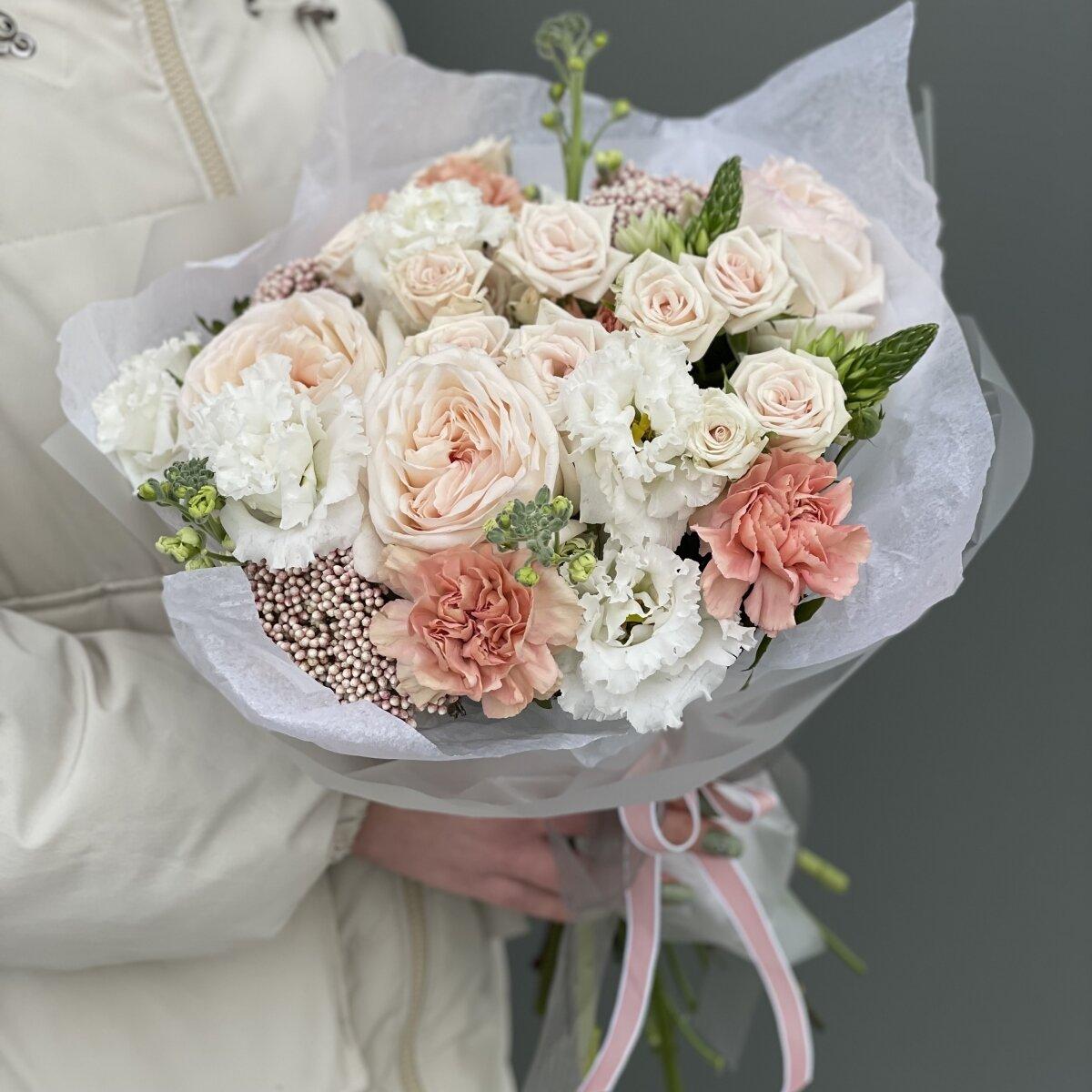 Букет Милкшейк из маттиолы, диантуса, роз и эустомы