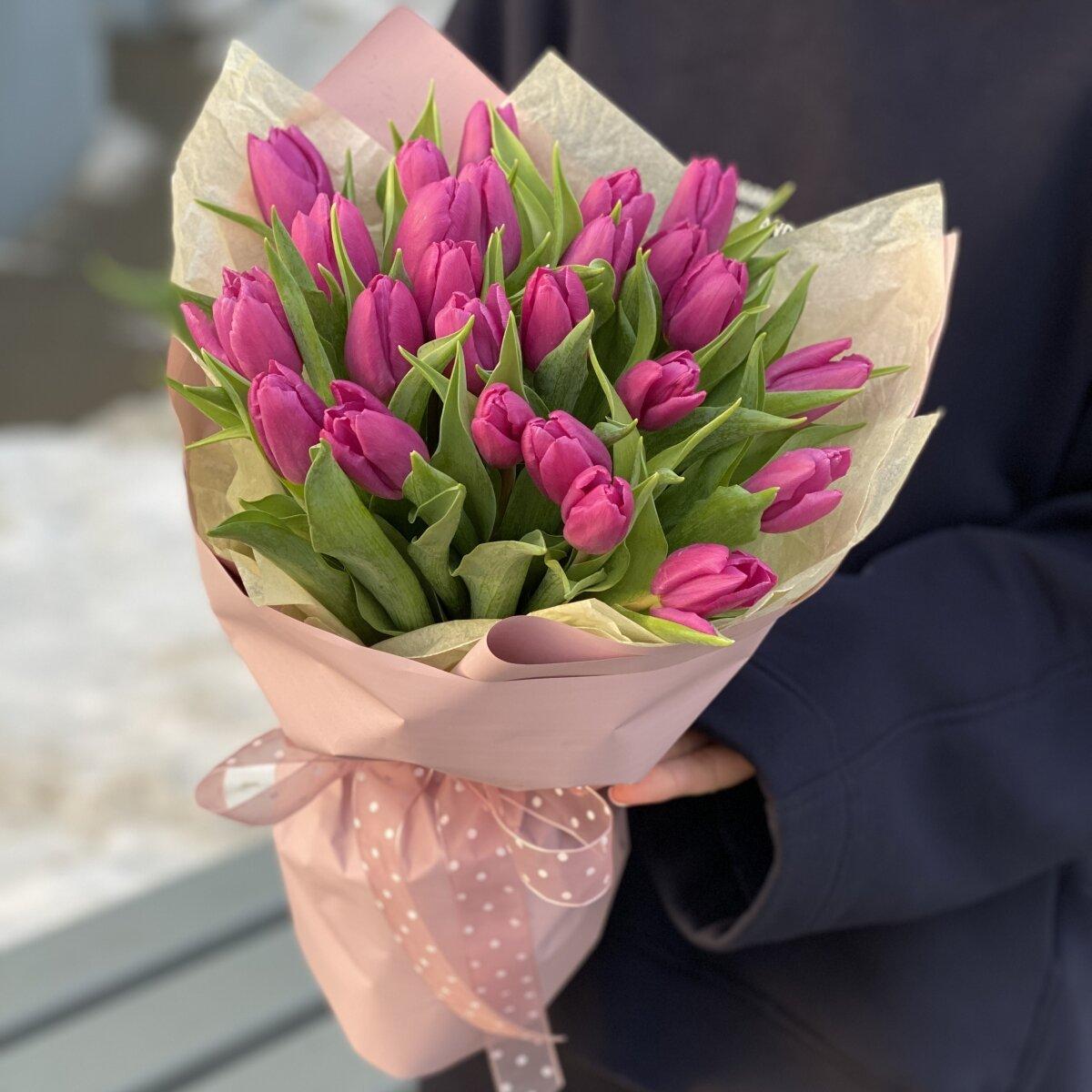 Букет Черничный Мусс из фиолетовых тюльпанов