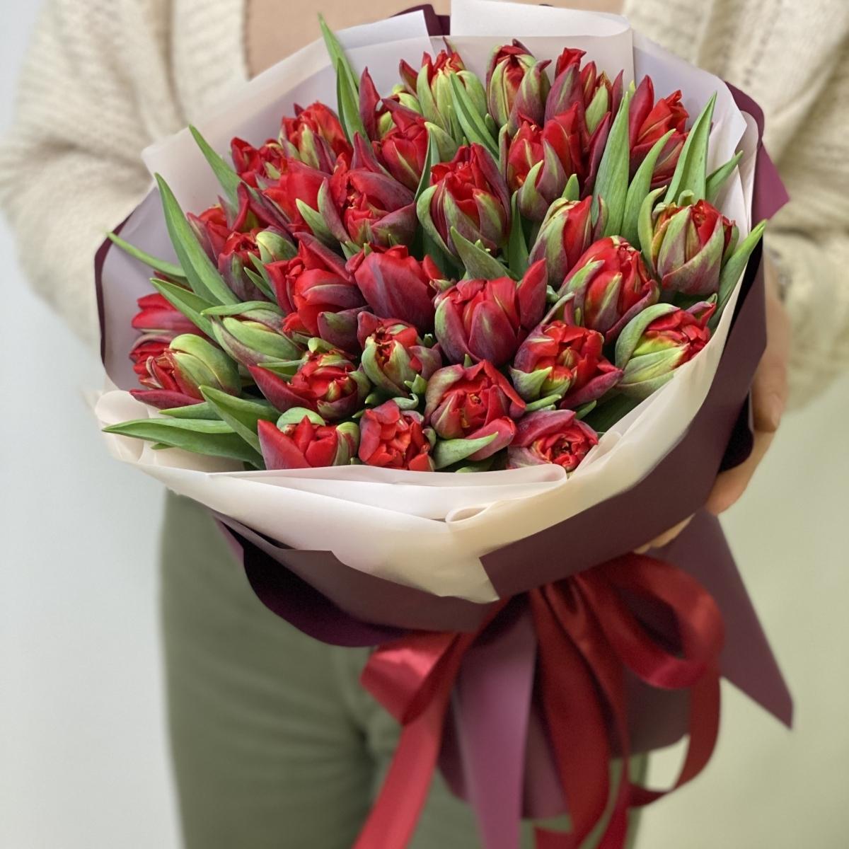 Букет Грация из 35 пионовидных тюльпанов