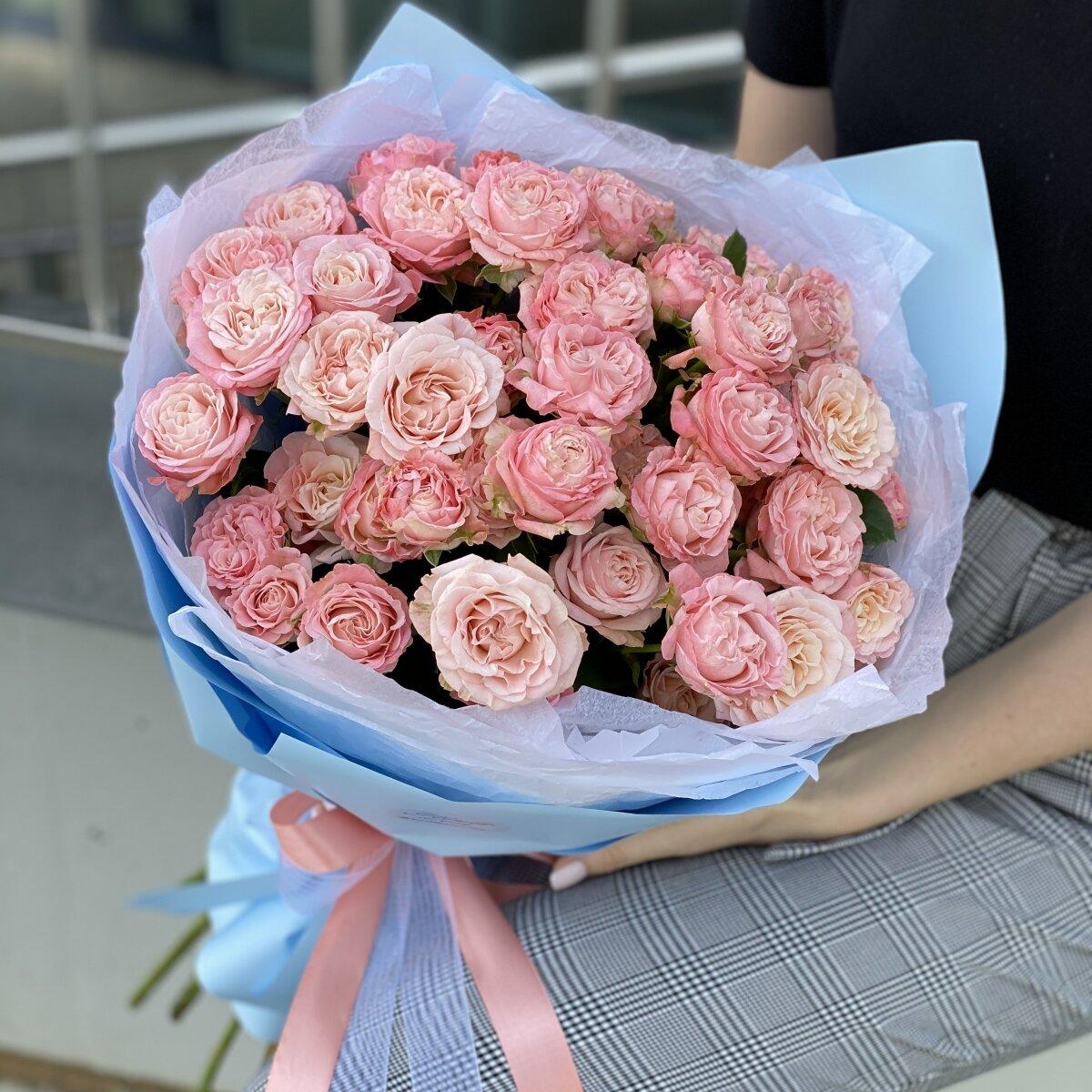 Букет Милашка из 11 веток кустовой розы