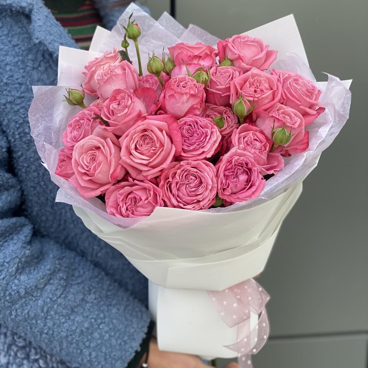 Букет Артезия из 5 веток кустовой розы