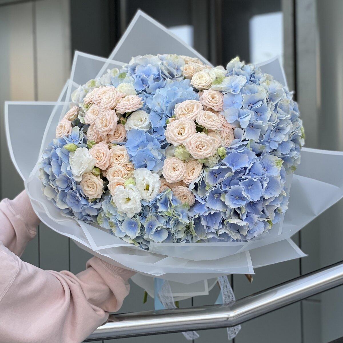 Букет Алмаз из гортензий, кустовых роз и эустомы