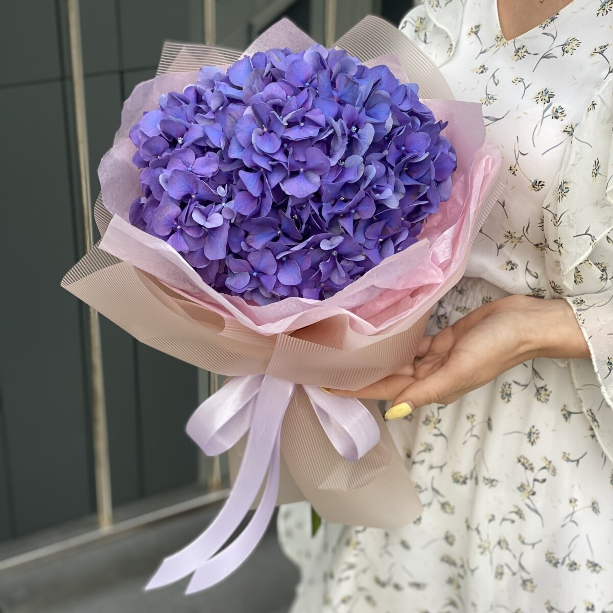 Букет Микки из фиолетовой гортензии